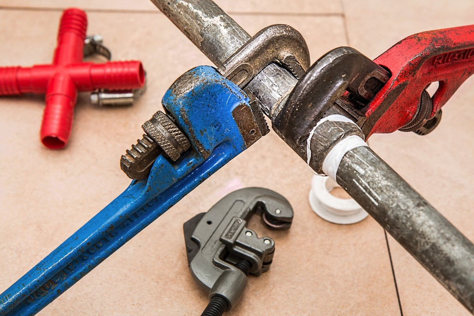 Plumbing Repairs How To Fix Sweating Pipes 24