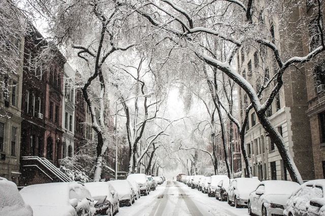 London prepare for snow this weekend